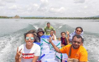 Team Hapin Papua op weg om filters uit te delen