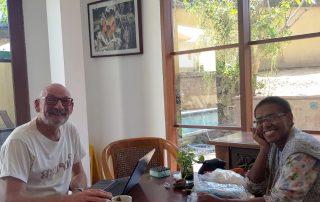 Hapinmedewerker Reinier de Lang met Nova Seseray