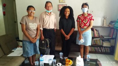 Hapin-consultants Nova en Irma in gesprek met Pujaprema