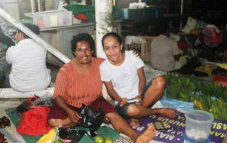 Tiene loop stage mama mama papua