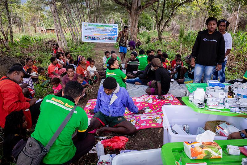 Artsenonderzoeken patienten Nduga Wamena