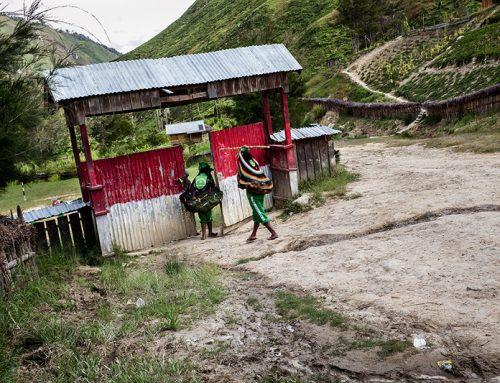 Naar school in Papua