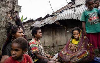 Ontredderde vluchtelingen uit Nduga zoeken een veilig heenkomen in Wamena
