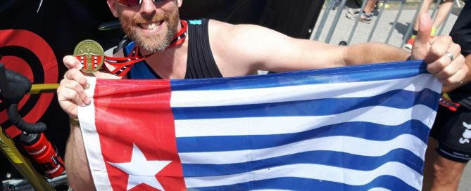 Rufus Timmermans liep de marathon van Amsterdam. Zijn sponsoractie voor de Nduga vluchtelingen in Papua was een groot succes