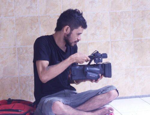 Nieuwe filmcamera voor journalist Yosef Levi